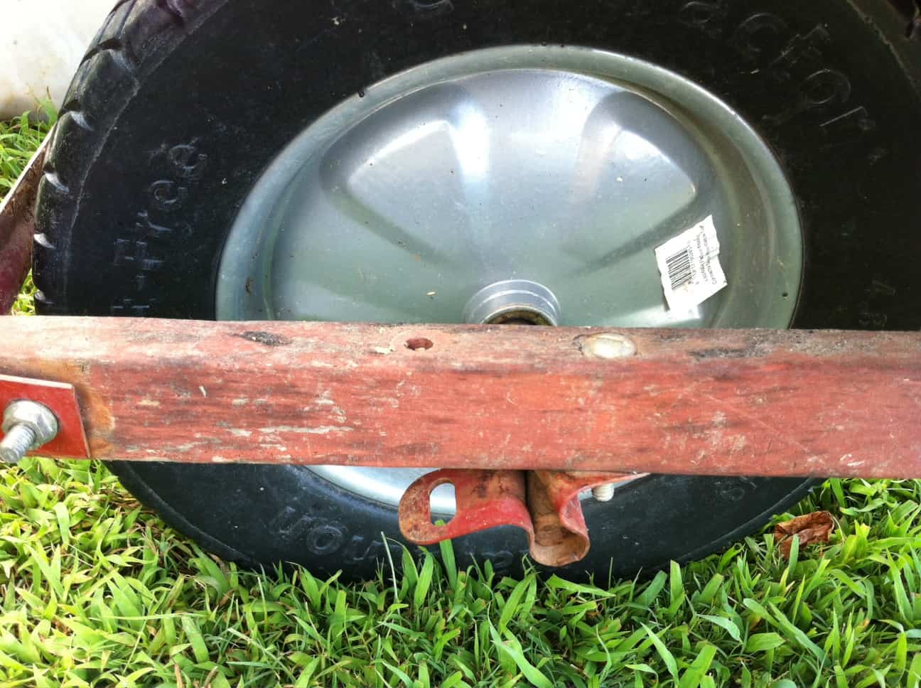 Cindy von Wheelbarrow's replacement tire