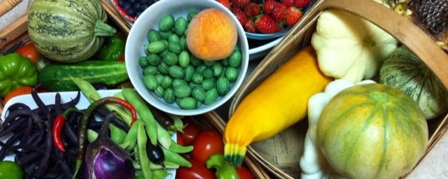 A nice, biodiverse organically grown summer harvest from our garden.